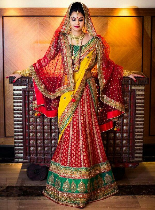 12 Styles To Drape Dupatta On Your Wedding Looksgud In