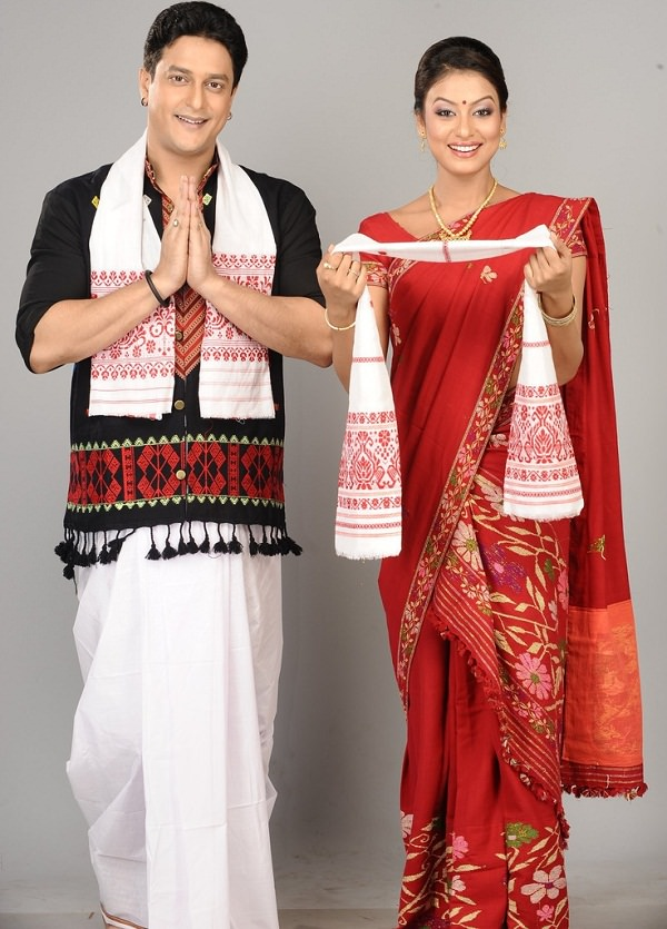 dhoti gamosa a traditional dresses of indian state aasam, different types of dresses in india in different states
