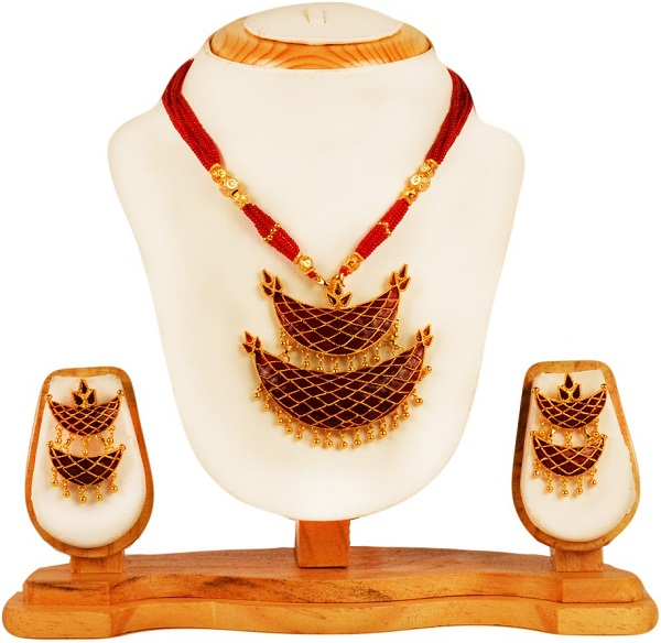 red junbiri necklace with earrings of assam
