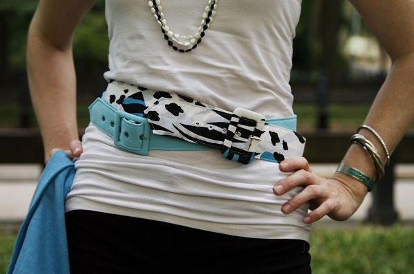 super easy ways to loop your belt like a stars